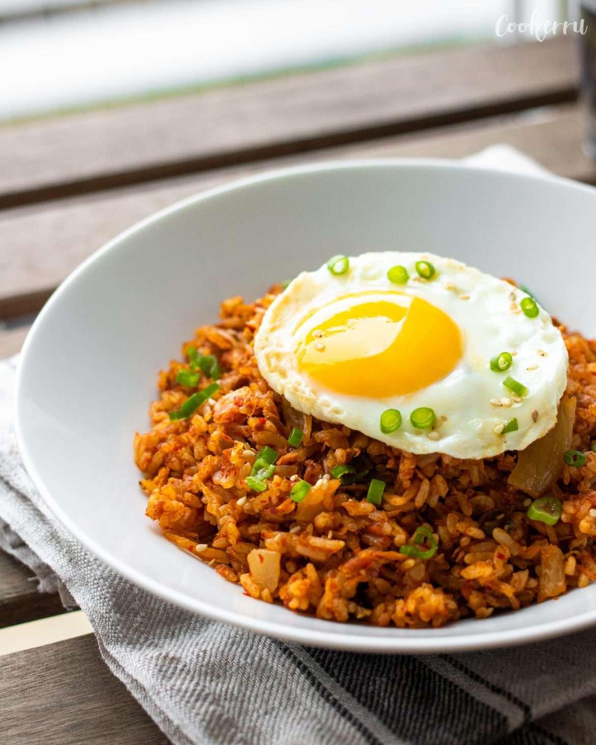 Kimchi Fried Rice (Kimchi Bokkeumbap)
