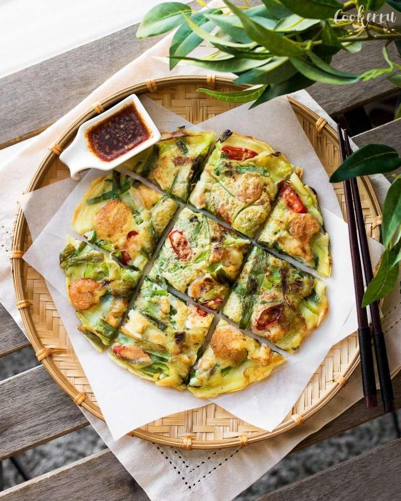 Korean Seafood Pancake (Haemul Pajeon)
