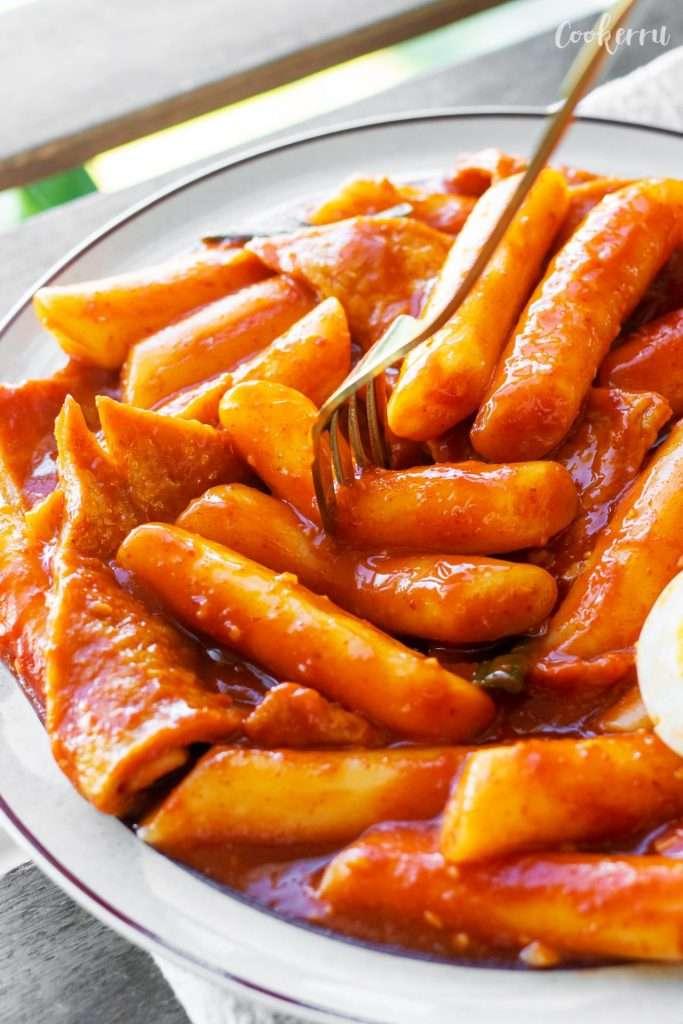 Tteokbokki (Korean Spicy Rice Cakes)