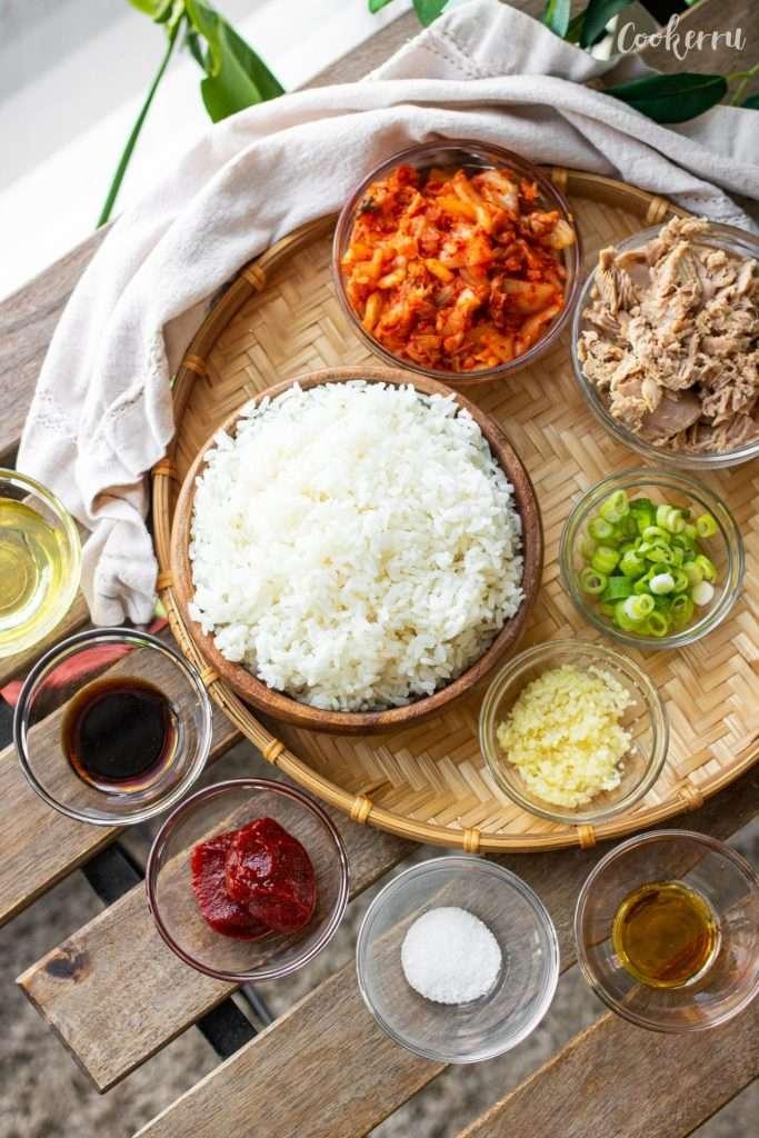 Ingredients for 15-Minute Kimchi Fried Rice (Kimchi Bokkeumbap)