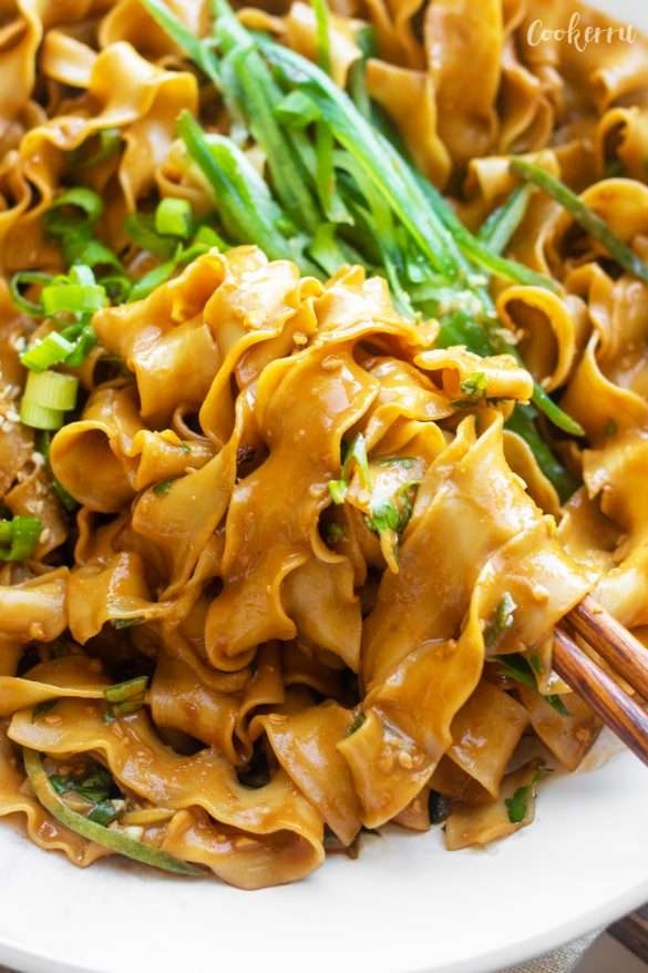10-Minute Sesame Noodles (Ma Jiang Mian)