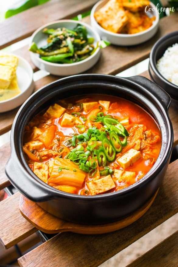 Easy Kimchi Jjigae (Kimchi Stew)