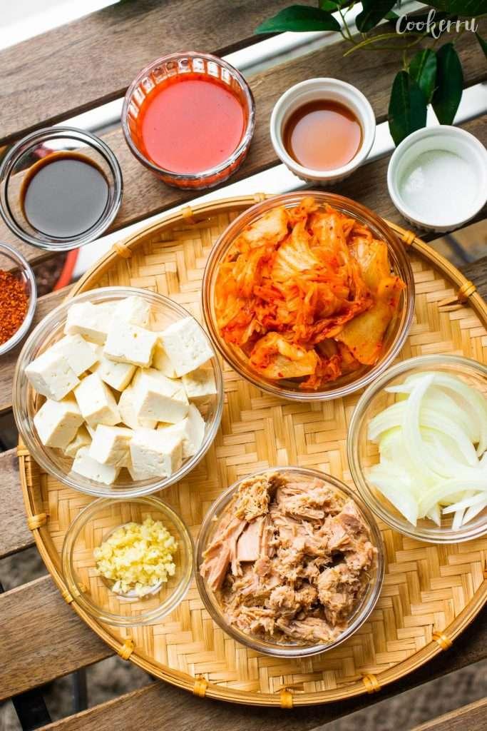 Ingredients for Kimchi Jjigae (Kimchi Stew)