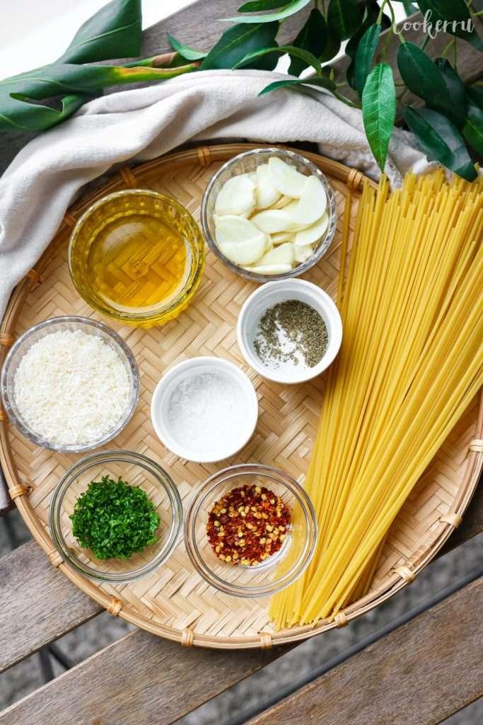 Ingredients for Garlic Spaghetti (Spaghetti Aglio e Olio)