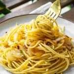 Garlic Spaghetti (Spaghetti Aglio e Olio)